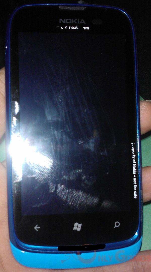 Nokia-Lumia-6101